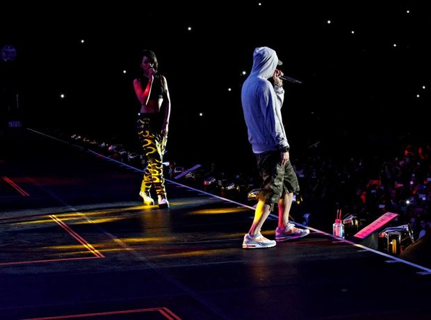 Rihanna and Eminem on tour