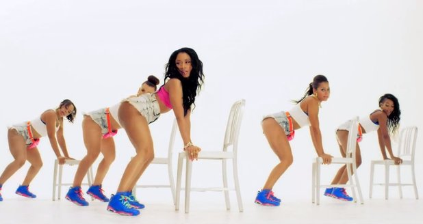 Nicki Minaj twerking in Anaconda video