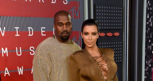 Kanye West and Kim Kardashian MTV VMAs 2015