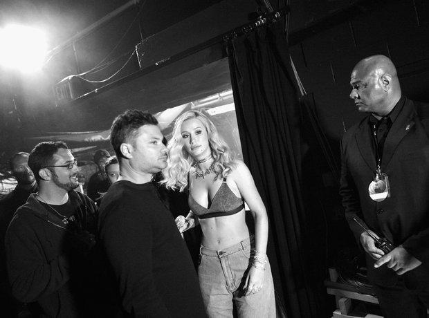 Iggy Azalea backstage