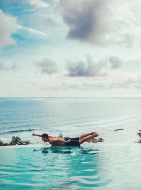 Martin Garrix Pool